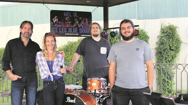 Au tour de Mel DL et les Blues Dogs